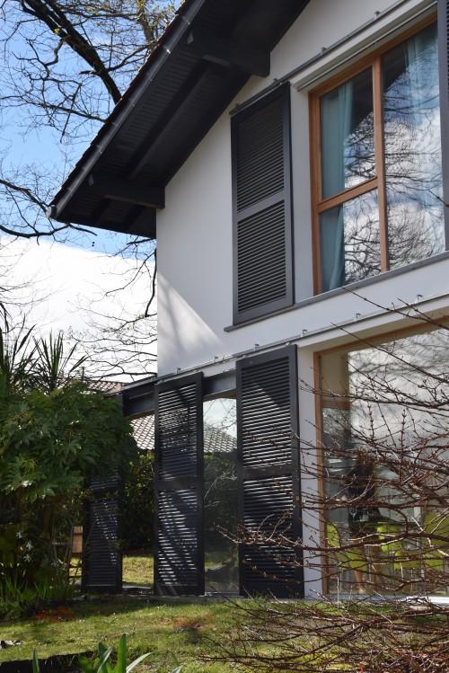 Maison façade vitrée, moderne
