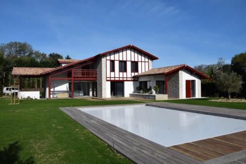 Villa et piscine de luxe pays basque