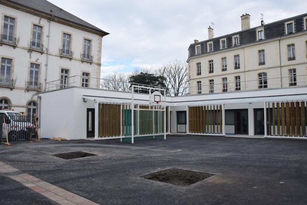 Edifice contemporain école